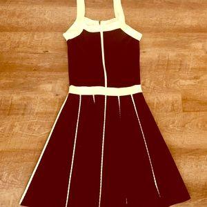 Parker dress just above knee size S